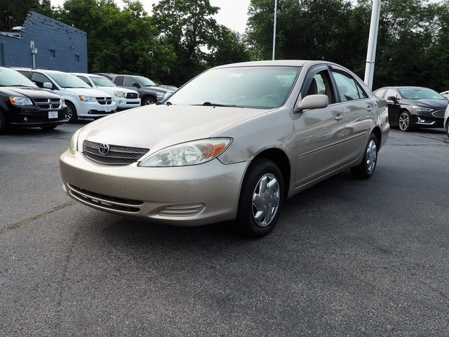 Pre-Owned 2004 Toyota Camry LE